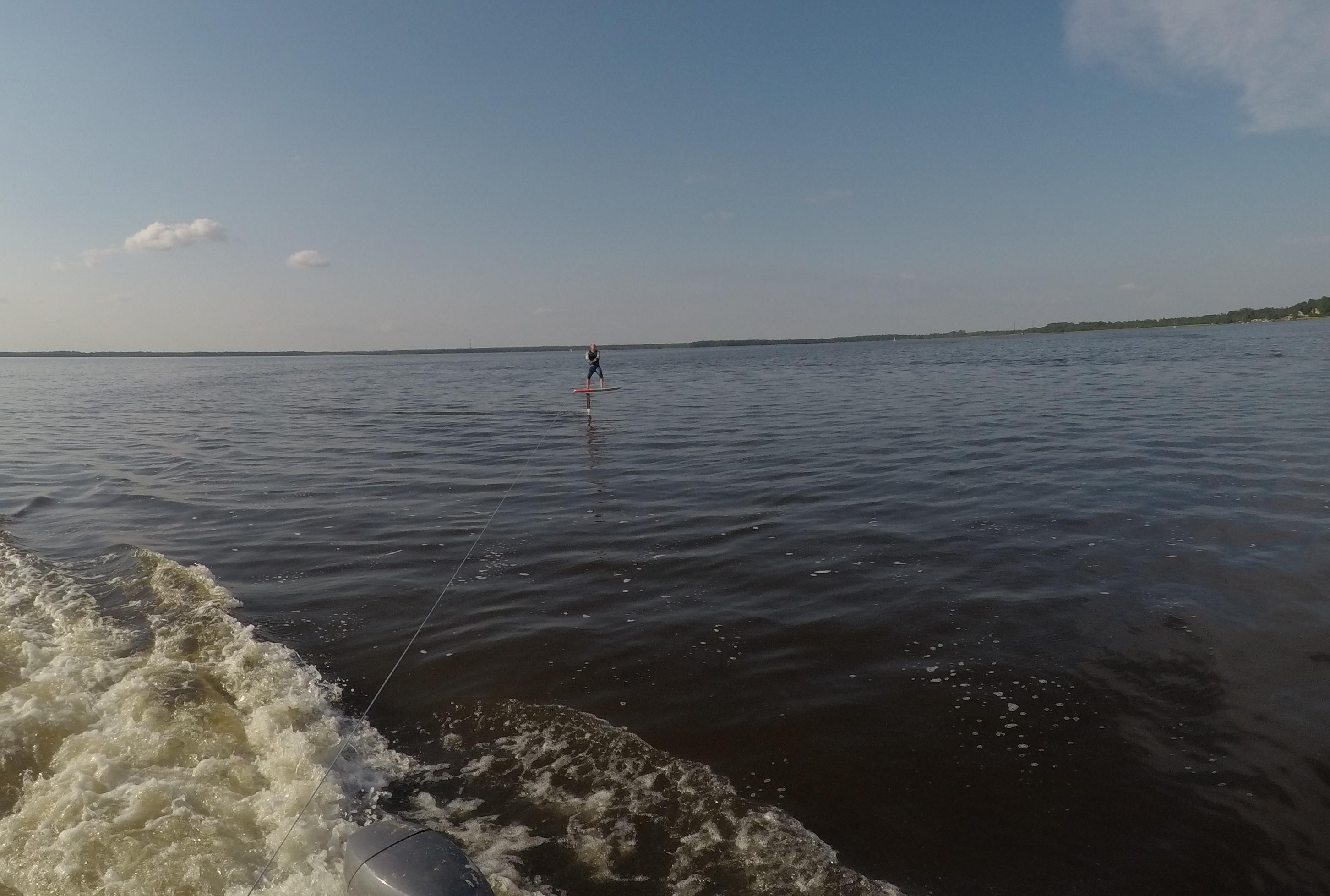 Artūras Dudėnas #120 Be vejo su hydrofoilu Naish ir kateriu Rekyva